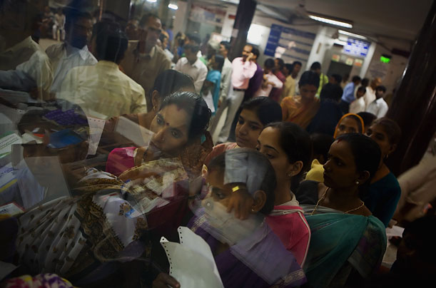 Crowded scene in an Indian hospital