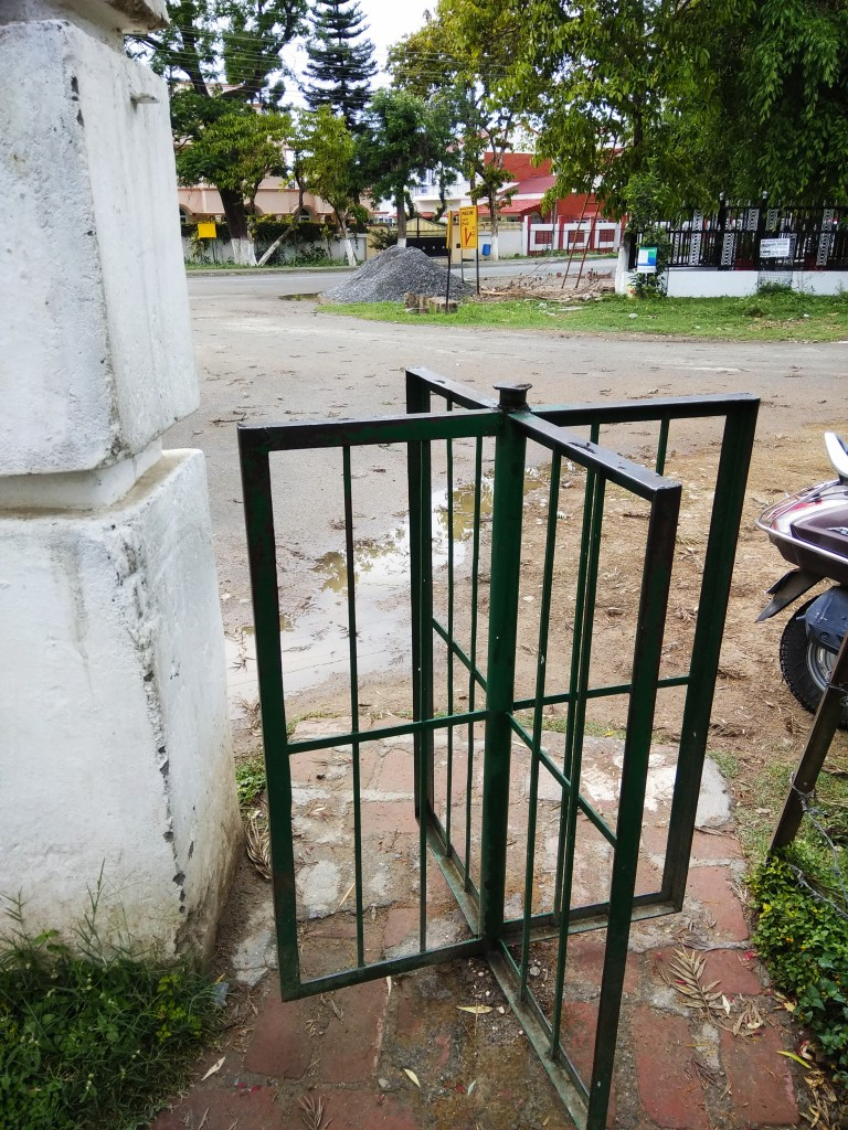 Picture of a cow gate - a circular turnabout gate